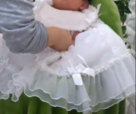 お宮参り撮影 スタジオマリオ 男の子の白ドレス