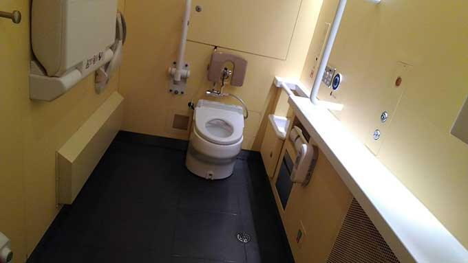 特急ラビューのトイレ