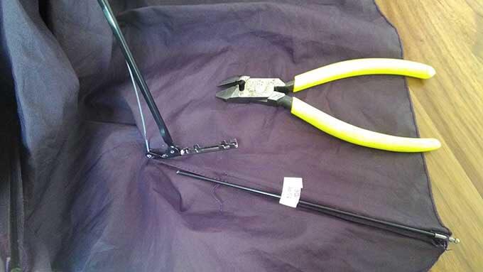 自分で傘の修理 ペンチで固定する